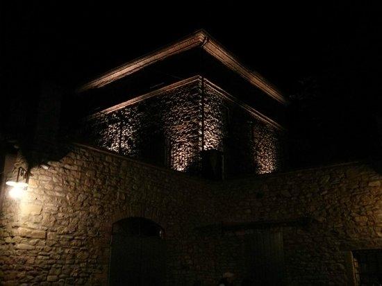 Torre del Borgo: la torre by night
