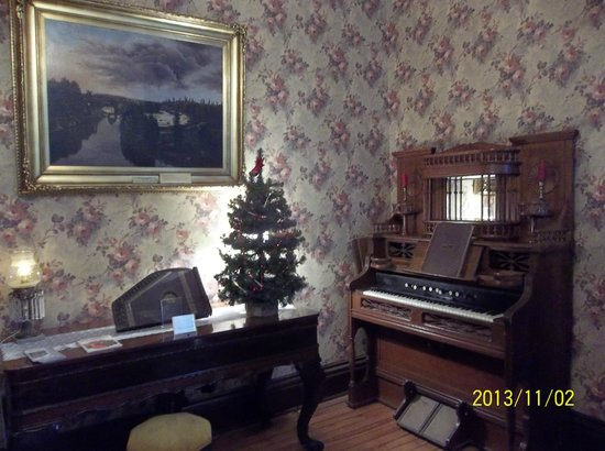 Painesville, OH: Lake County Historical Center back parlor