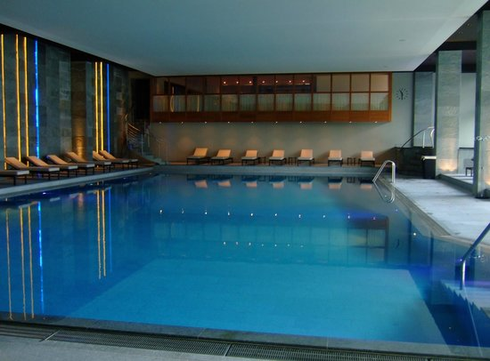 Kulm Hotel St. Moritz: 綺麗な屋内プール