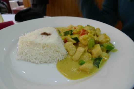 Cafe Mango: thai yellow curry chicken rice