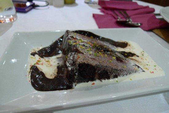 Cafe Mango: chocolate cake