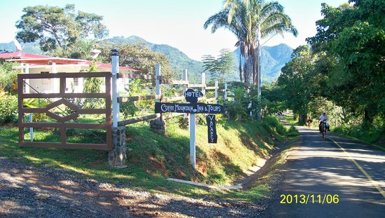 Coffee Mountain Inn: Entrance