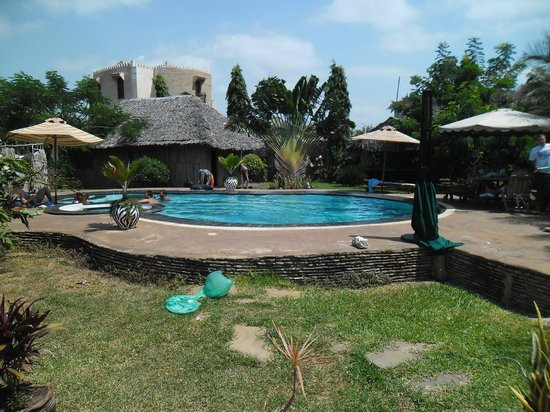 Diani Backpackers: simply amazing.