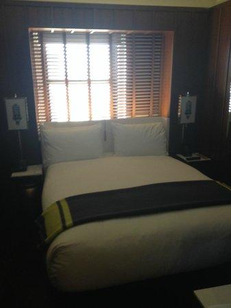 Hudson Hotel New York: Small Cabin Room 533