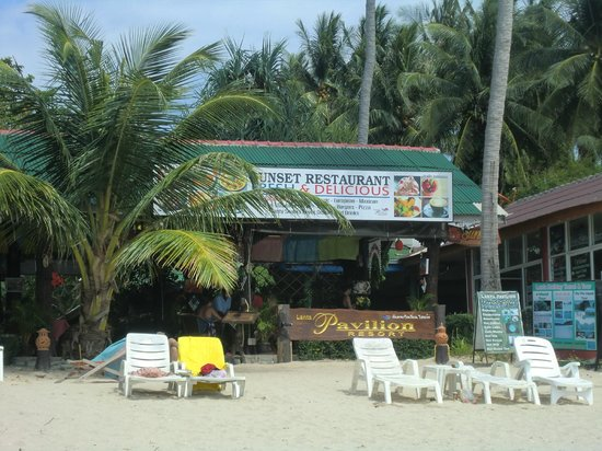 Lanta Pavilion Resort: terrace of hotel