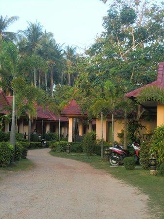 Lanta Pavilion Resort: resort bungalows