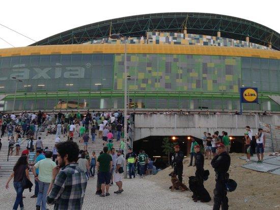 Estadio de Alvalade: Entrando al estadio Alvalade para el juego Sporting vs Benfica 31 Ago 2013