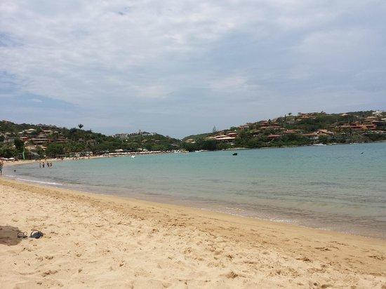 Ferradura Resort : praia da Ferradura em frente ao hotel