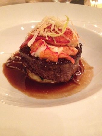 Everest: Filet with lobster