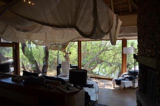 Sanctuary Makanyane Safari Lodge: Our room