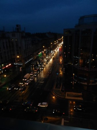 Danubius Hotel Astoria City Center : View of the road outside