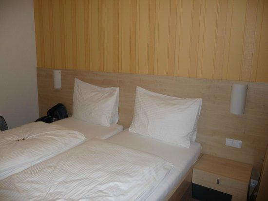 Hotel Vista: кровати удобные, постельное белье чистое