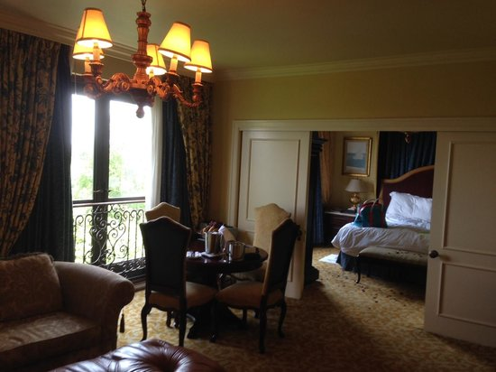 The Palazzo Montecasino: our room