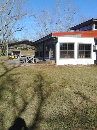 The Lodge at Troy: Two covered parking spots are available for guests, as well as picnic tables and a propane grill