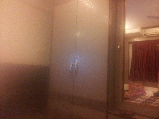 Hotel Mars: Deluxe room