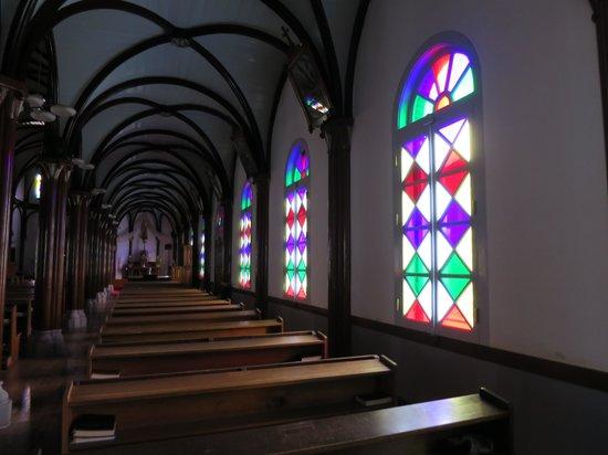 Kurosaki Church : ステンドグラス