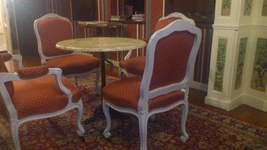 Hotel De La Poste: salon