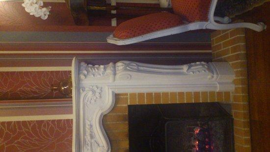 Hotel De La Poste : cheminée