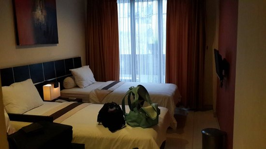 Puri Chorus Hotel: The bedroom
