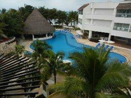 Isla Mujeres Palace: pool