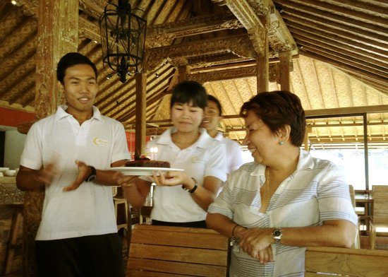 Munari Resort & Spa: Birthday greeting