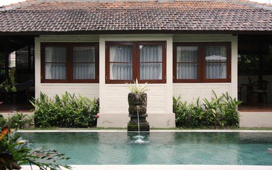 Munari Resort & Spa: Pool and the 2BR suite