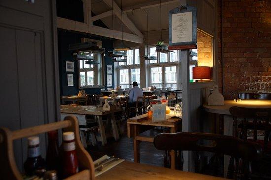 Ship & Trades: restaurant/breakfast room