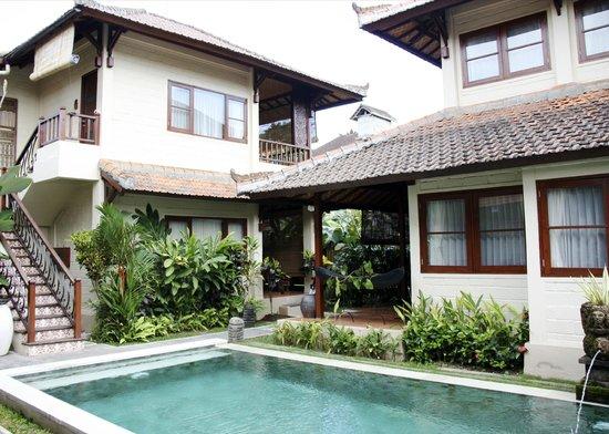Munari Resort & Spa: Rooms overlooking the pool