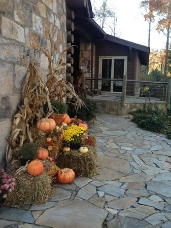 Snowbird Mountain Lodge: Harvest bounty near the entrance to the lodge