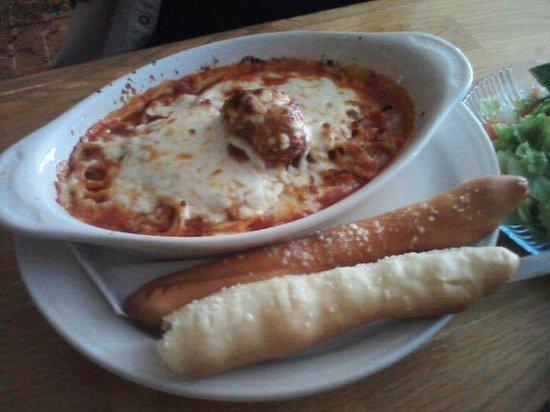 Sandra D's Italian Garden: Baked Spaghetti