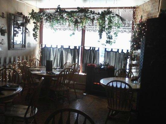 Sandra D's Italian Garden: Interior view toward front windows