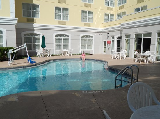 Country Inn & Suites By Radisson, Port Canaveral : Swimming pool