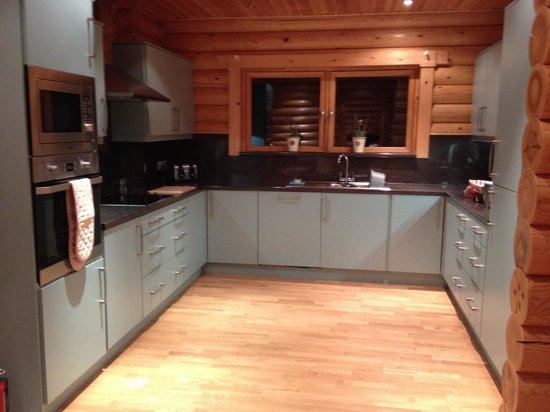 Redewater Lakeside Lodges: Kitchen in Ingram