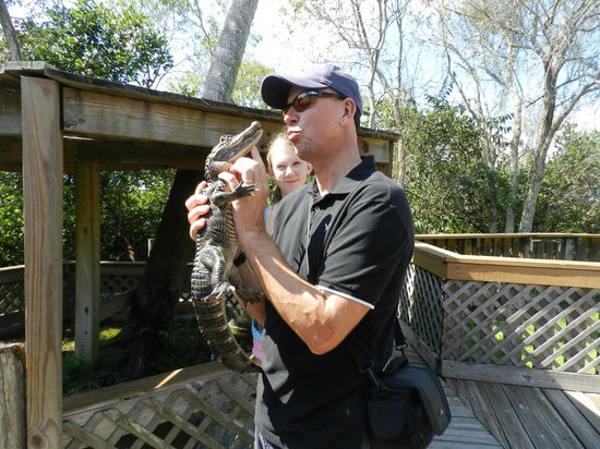 Tigertail Airboat Tours : Give us a kiss!