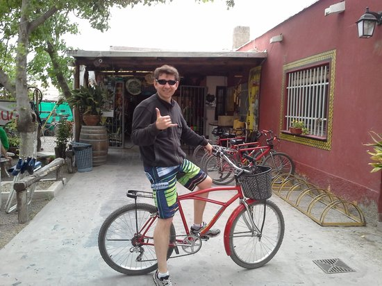 Wine Tour in Bike: Mr Hugo place