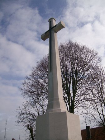 Ramparts Cemetery : The Great Cross