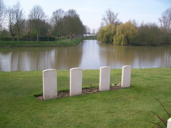 Ramparts Cemetery : A quiet oasis