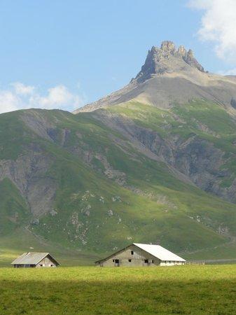 Adelboden: Sicht ins angrenzende Berggebiet