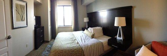 Staybridge Suites Stone Oak : Bedroom
