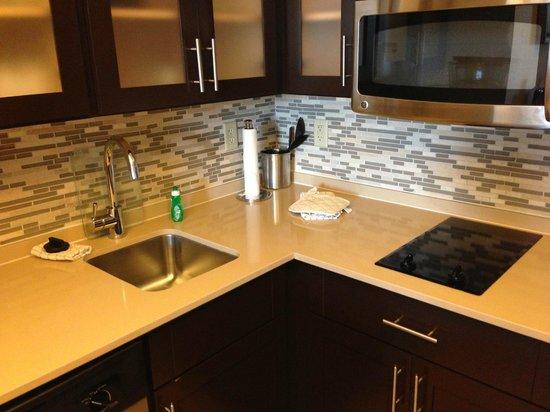 Staybridge Suites Stone Oak : Kitchen