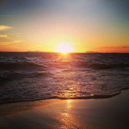 Viva Vacation Resort: Stunning sunset.