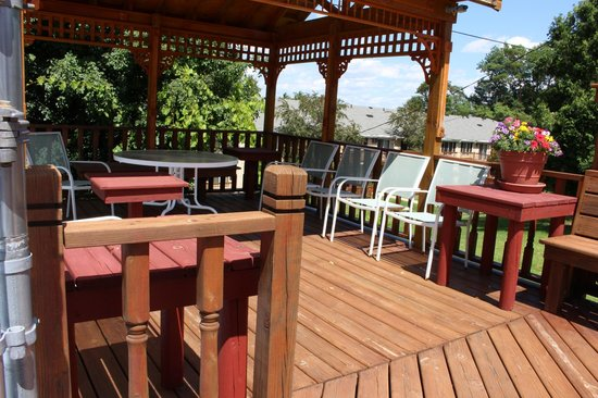 Countryside Corporate Apartments : Pool Deck