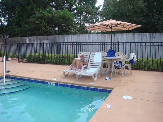 Hampton Inn & Suites Tallahassee I-10 - Thomasville Rd : Pool