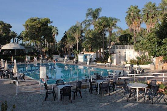Hotel Fontane Bianche Beach Club: La piscina