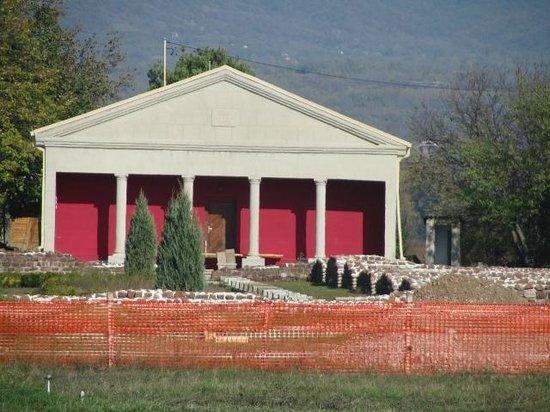 Good Night: Constantin's Villa