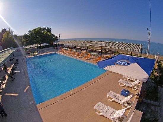 Mora Hotel: havuz