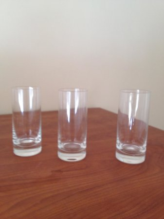 Bacara Resort & Spa: Glasses on floor in the hall for 3 days