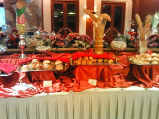 Ritan International Hotel: Ресторан