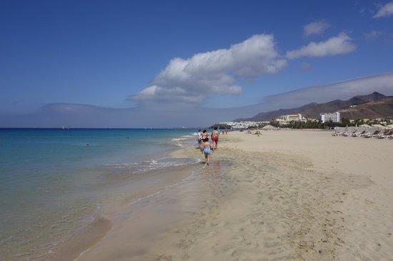 TUI SENSIMAR Calypso Resort & Spa: Strandblick nach Osten; Richtung Morro Jable