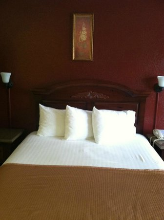 Clearwater Beach Hotel: Bed